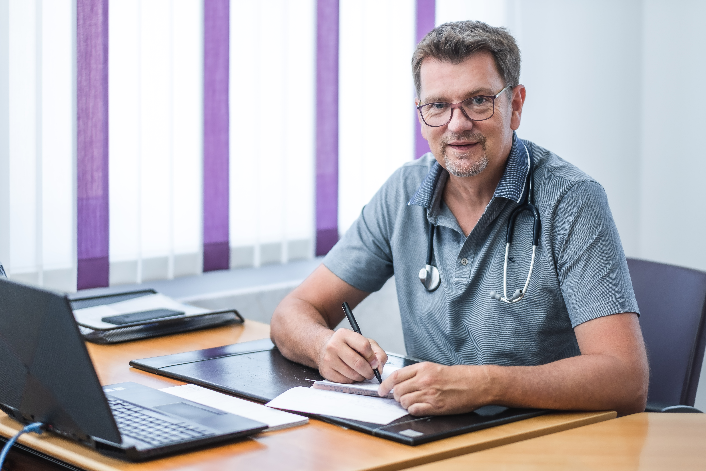 Dr Szika